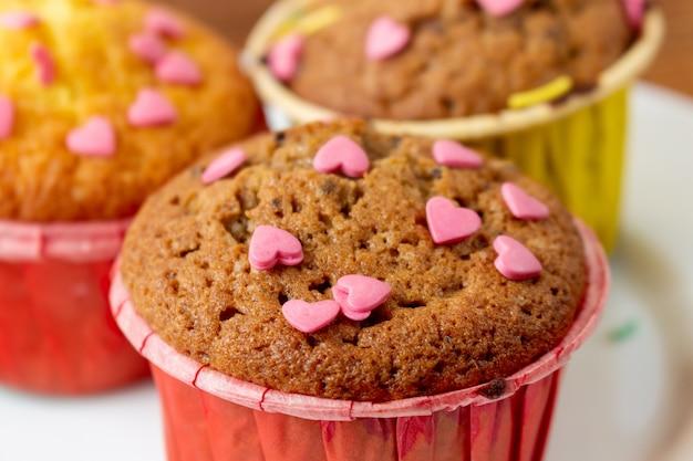 Heerlijke cupcakes met hartbanketbakkerij voor valentine