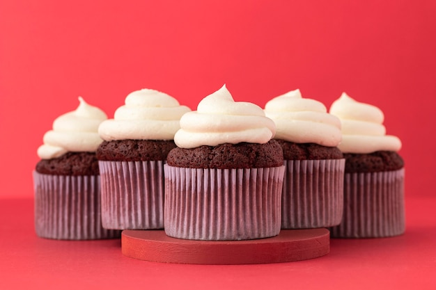 Heerlijke cupcakes met roomarrangement