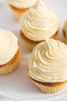 Heerlijke cupcakes met slagroom
