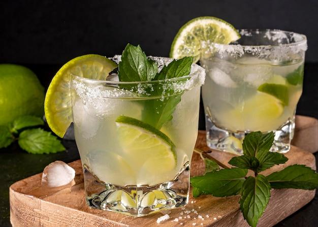 Heerlijke drank met muntblaadjes