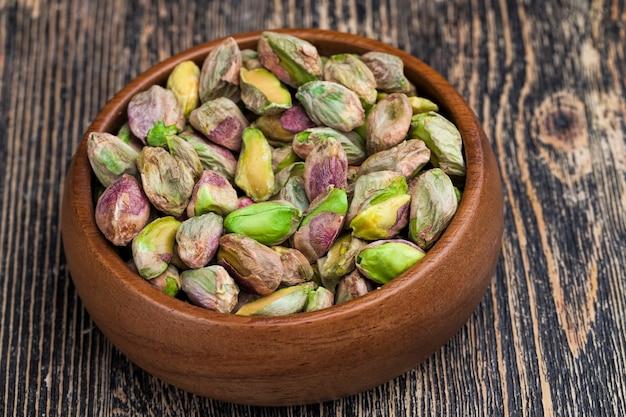 Heerlijke en zoute pistachenoten, geroosterde pistachenoten bestrooid met zout voor de smaak
