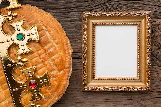 Heerlijke epiphany taart dessert kopie ruimte frame Premium Foto
