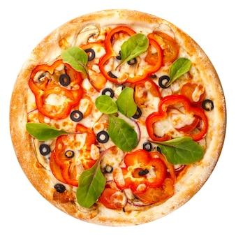 Heerlijke klassieke italiaanse pizza met mozzarella