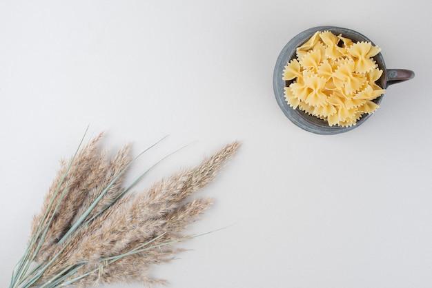 Heerlijke macaroni in oude beker