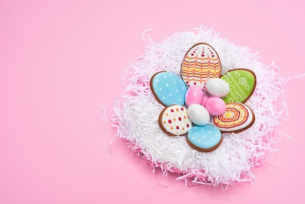 Heerlijke pasen koekjes in de vorm van eieren