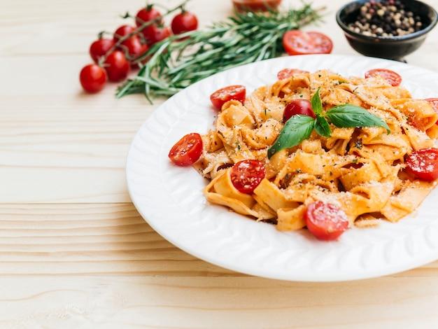 Heerlijke plaat van italiaanse pasta