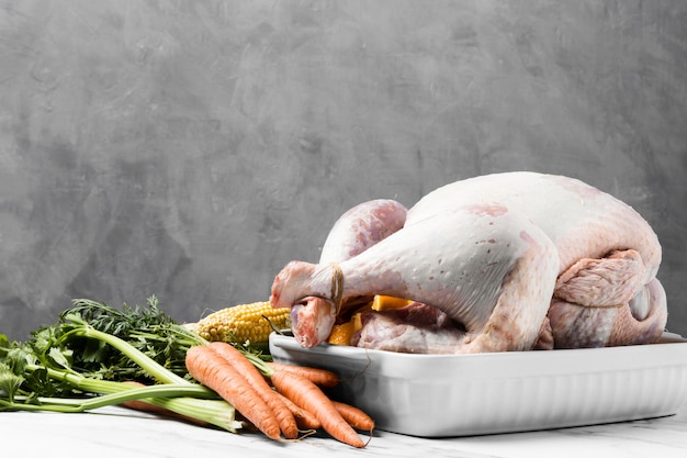 Heerlijke rauwe thanksgiving kalkoen