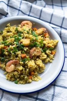 Heerlijke risotto met garnalen, kruiden