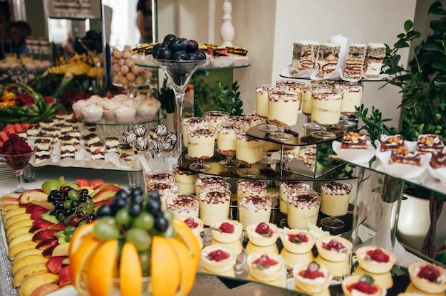 Heerlijke snoepjes op het snoepbuffet