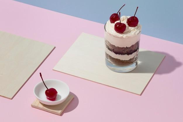 Heerlijke taart in een glas assortiment