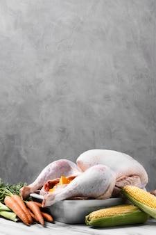 Heerlijke thanksgiving kalkoen met wortelen