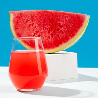 Heerlijke watermeloenplak en sap