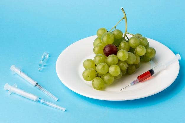 Heerlijke witte druiven ggo gemodificeerd voedsel