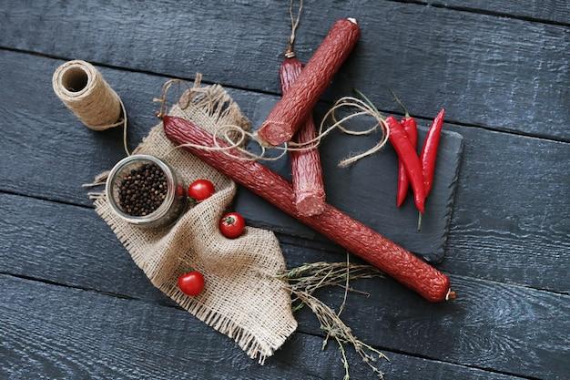 Heerlijke worstjes met ingrediënten