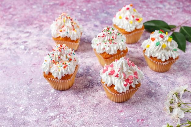 Heerlijke zelfgemaakte cupcakes met diverse hagelslag