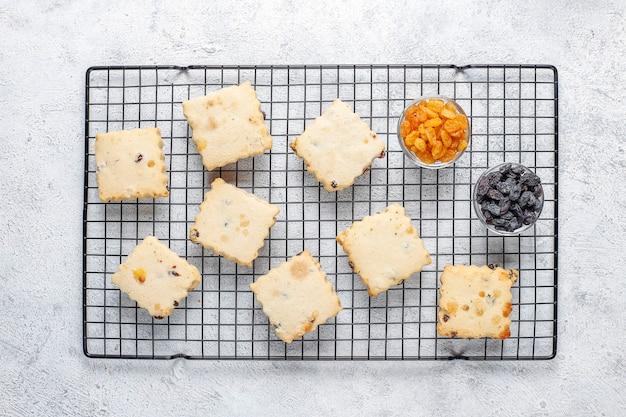 Heerlijke zelfgemaakte koekjes met rozijnen.