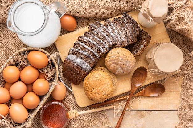 Heerlijke zelfgemaakte taarten gemaakt van natuurlijke producten.