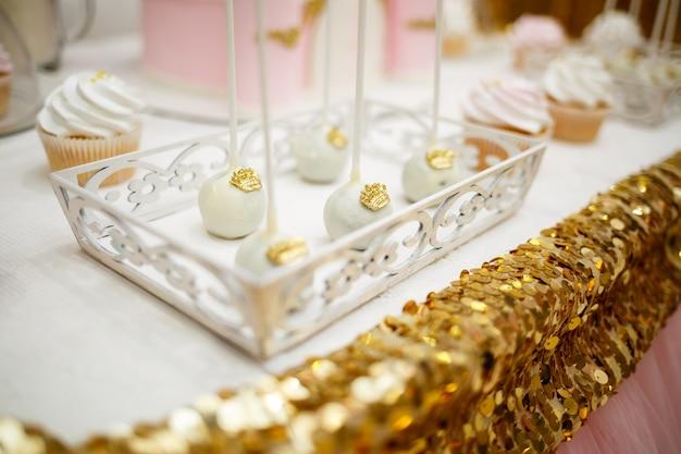 Heerlijke zoete snoepjes en koekjes voor kinderen op hun verjaardag