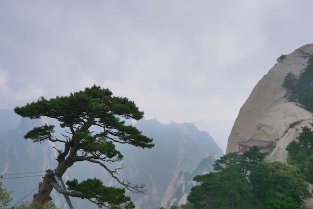 Heilige taoïstische berg mount huashan, populaire toeristische plaats in china