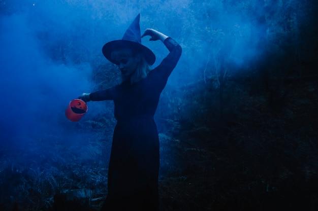 Heks in mist