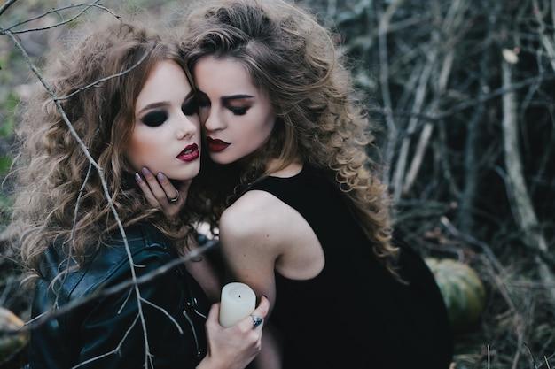Heksen die een witte kaars