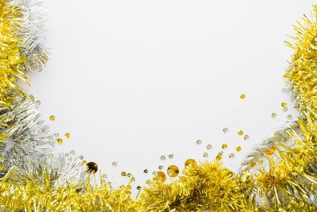 Helder klatergoud dichtbij confettien