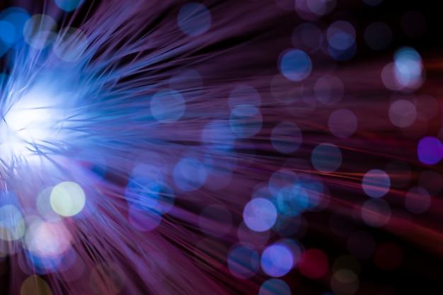 Helder licht met stoffige optische vezel