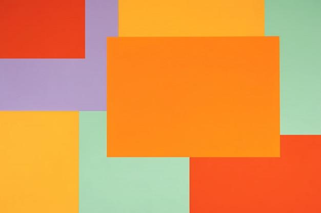 Helder met een niet-symmetrisch geometrisch patroon in trendy kleuren.