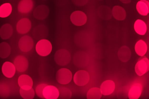 Helder rood met zachte ronde bokeh lantaarns