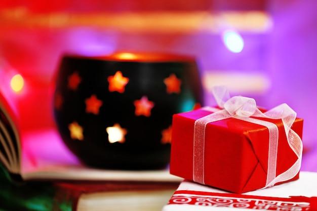 Heldere geschenkdoos, close-up