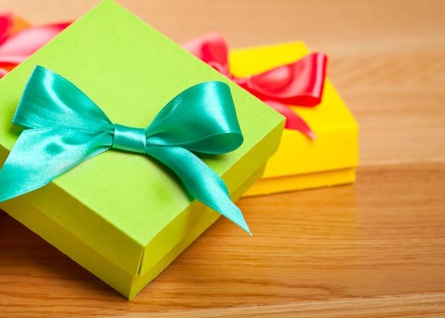 Heldere geschenkdoos