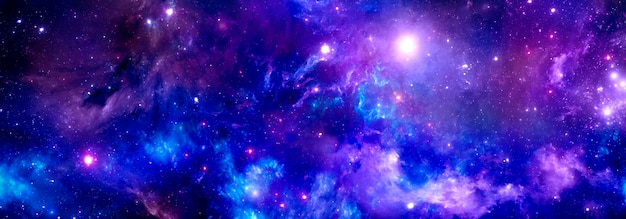 Heldere paarse ruimte met kleurrijke blauwe nevel en heldere sterren, kosmische achtergrond