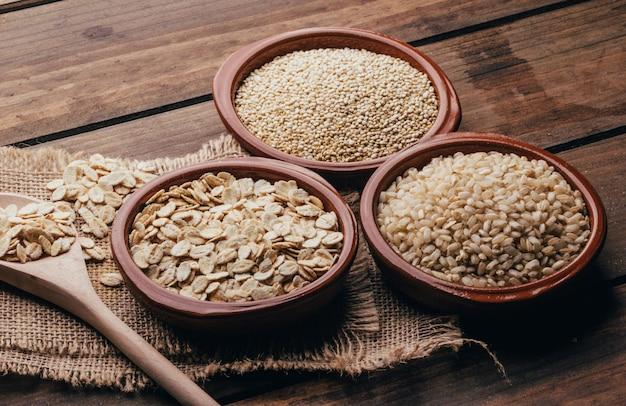 Hele voedingsmiddelen, quinoa haver en rijst
