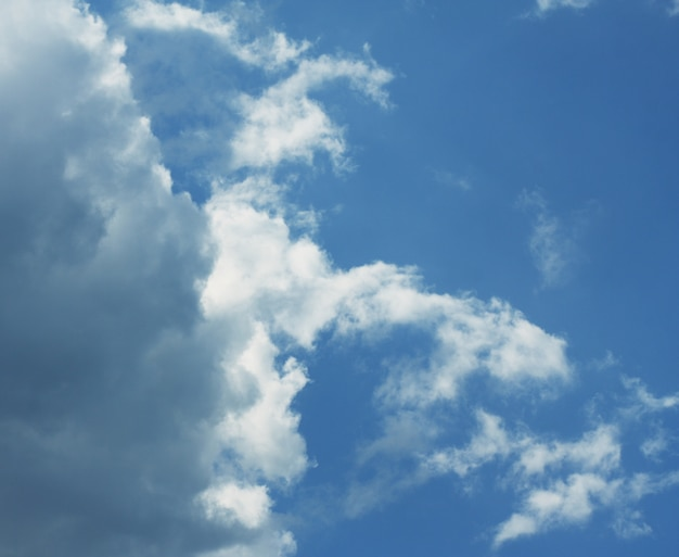 Hemelachtergrond met wolken