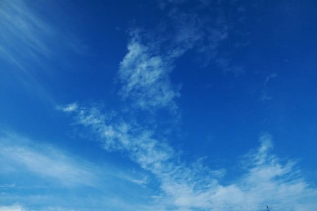 Hemelsblauwe wolk achtergrond