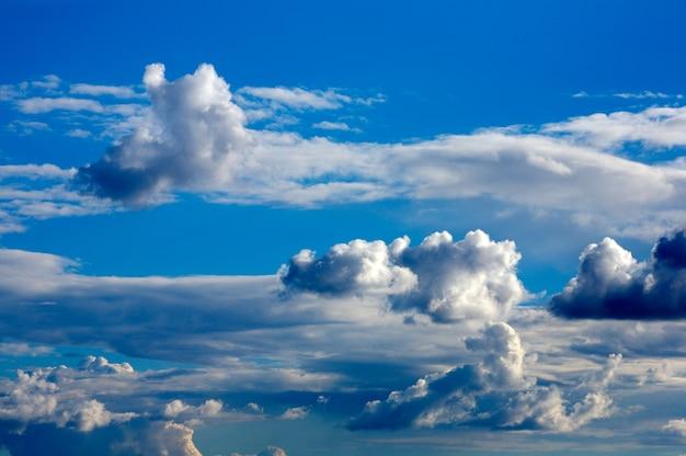 Hemelstorm met wolken