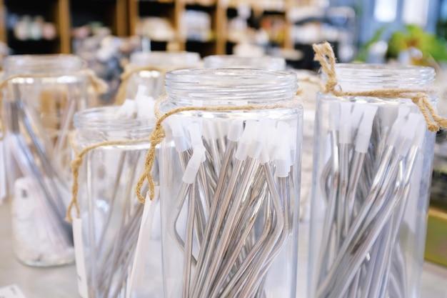 Herbruikbaar roestvrijstalen rietje voor drinken in glazen potje voor verkoop van duurzame producten