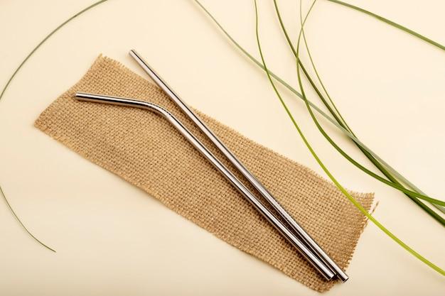 Herbruikbare metalen rietjes. milieuvriendelijke herbruikbare producten, geen afval.
