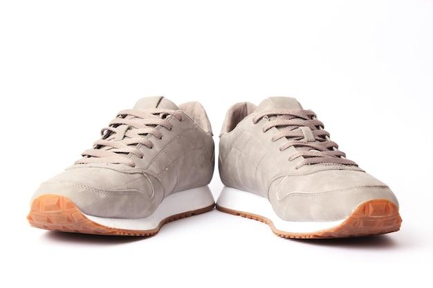 Heren sneakers geïsoleerd op wit herenschoenen white