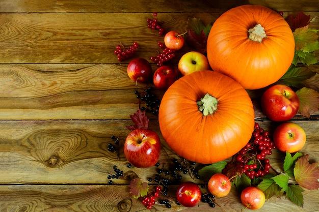Herfst met seizoensgroenten en fruit