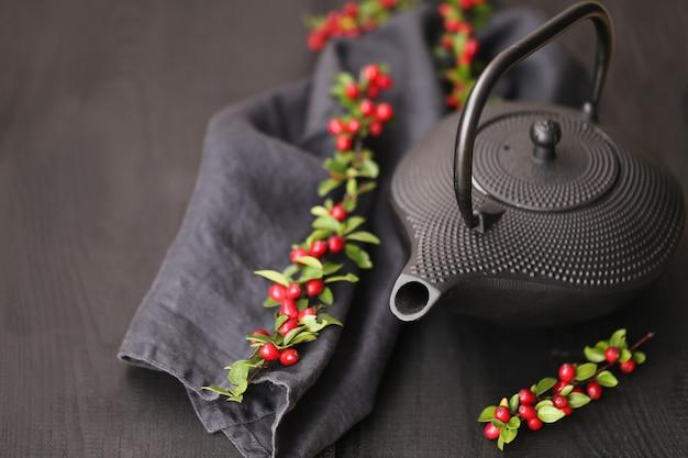Herfst thee. thee ceremonie in een minimalistische stijl