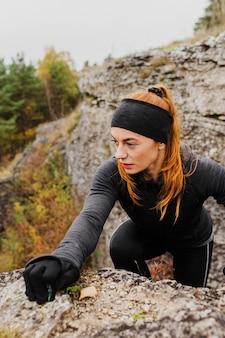 Herfst uitgevoerd buitenshuis training klimmen hoge weergave