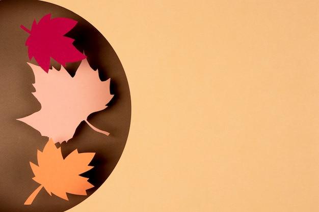 Herfstcompositie in papierstijl