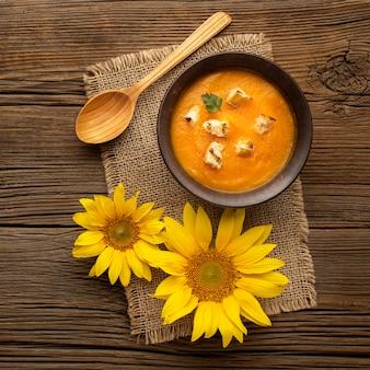 Herfstvoedsel en zonnebloemen