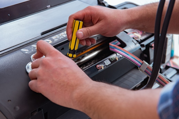 Hersteller die gebroken kleurenprinter herstelt