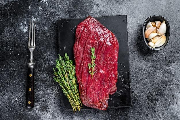 Hertenvlees rauwe biefstuk van wild vlees.