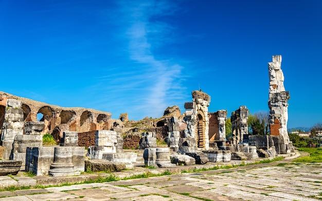Het amfitheater van capua, het op een na grootste romeinse amfitheater - italië
