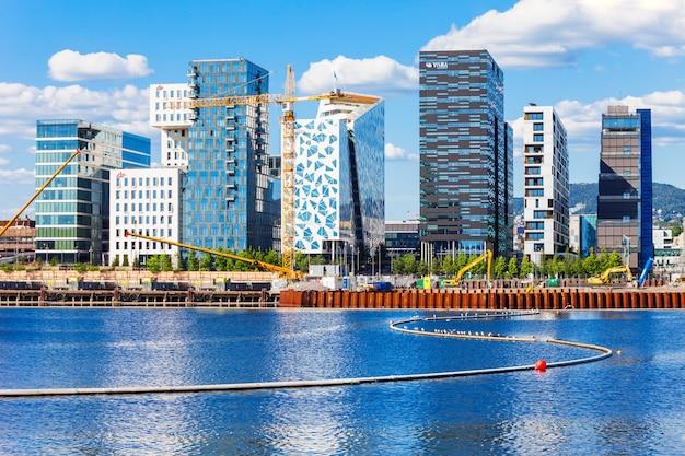 Het barcode-project is een sectie van het bjorvika-kwartaal van de fjordstad in het centrum van oslo, noorwegen