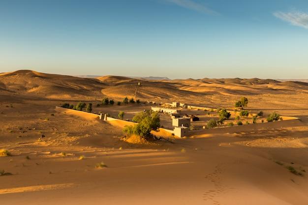 Het berberkamp in sahara woestijn