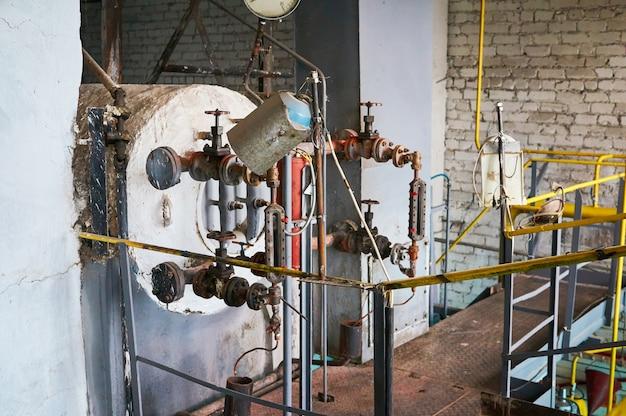 Het bovenste gedeelte van een oude boiler.